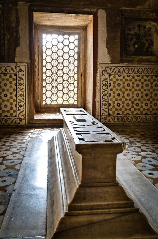 Graftombe in de Baby Taj, Agra